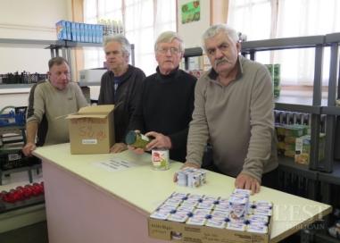 les-mardis-sont-dedies-a-la-reception-des-marchandises-depuis-la-banque-alimentaire-par-la-vingtaine-de-benevoles-tandis-que-le-jeudi-est-celui-de-l-accueil-des-beneficiaires-photo-e-v-1480881423